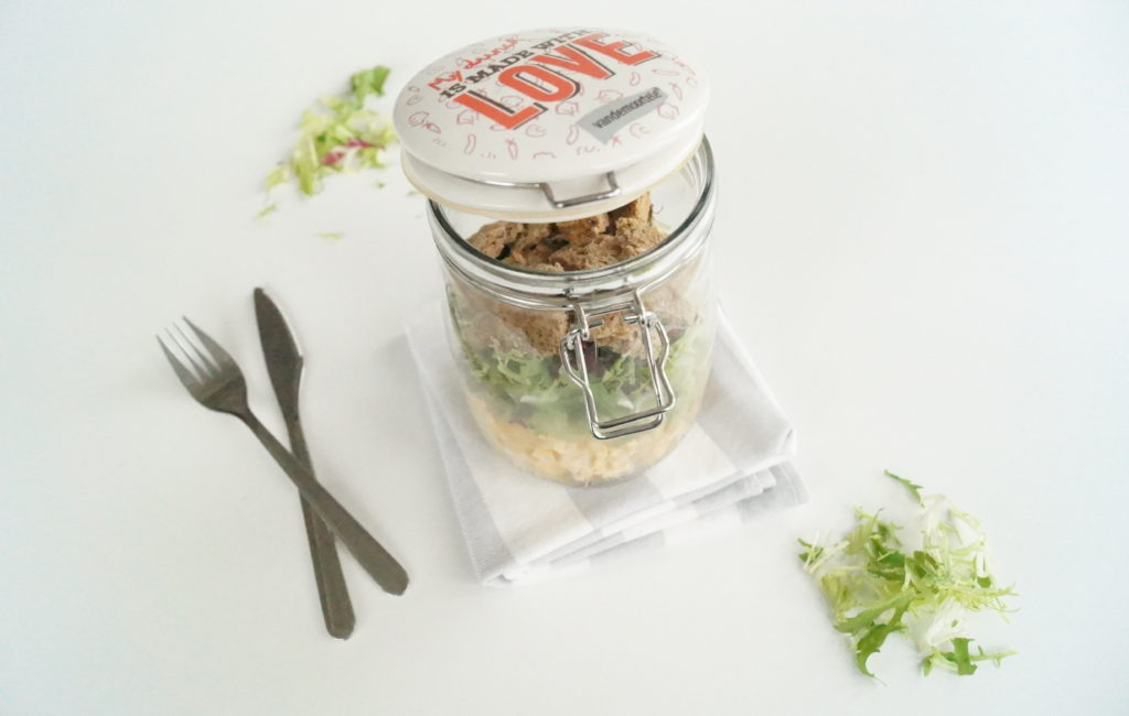 On a Healthy Adventure Salad in a jar 2