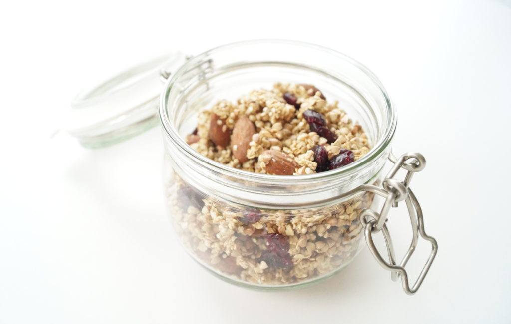 on-a-healthy-adventure-boekweit-granola-2